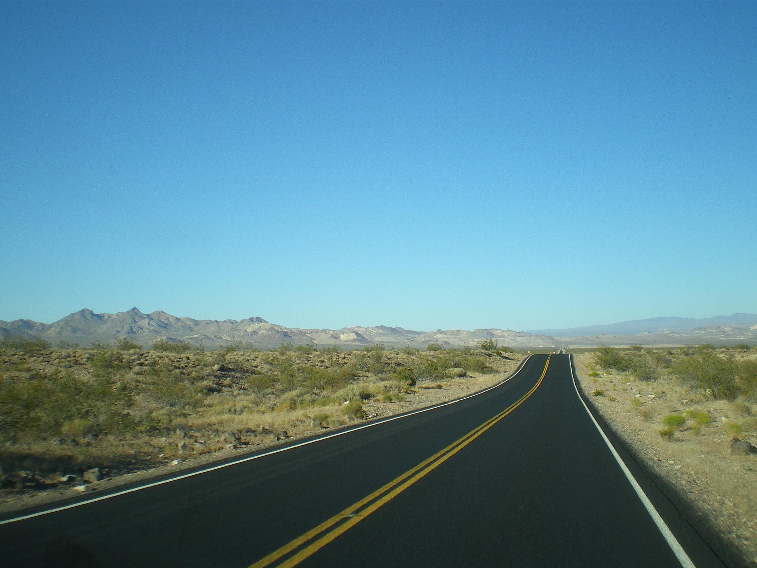 Road trip dans la vall e de la mort a traveller eyesight for Paysage espace